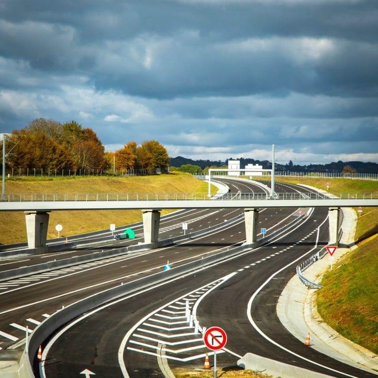 Le prolongement de l'A16 comprenant le réaménagement du rond-point de la Croix Verte en échangeur A16 /...