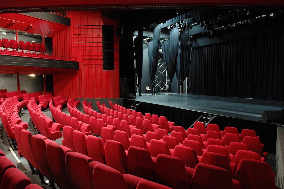 Le-theatre-Sylvia-Montfort